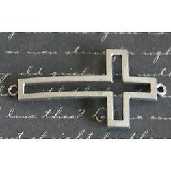 Grand connecteur croix évidée en métal argenté 27x46mm