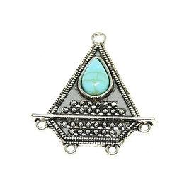 Connecteur triangulaire ethnique en métal argenté et cabochon turquoise 41x37mm