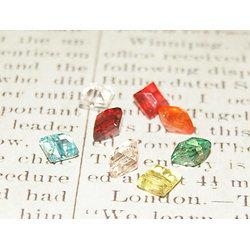 10 perles coussins multicolores en acrylique transparent 8x8x6,5mm