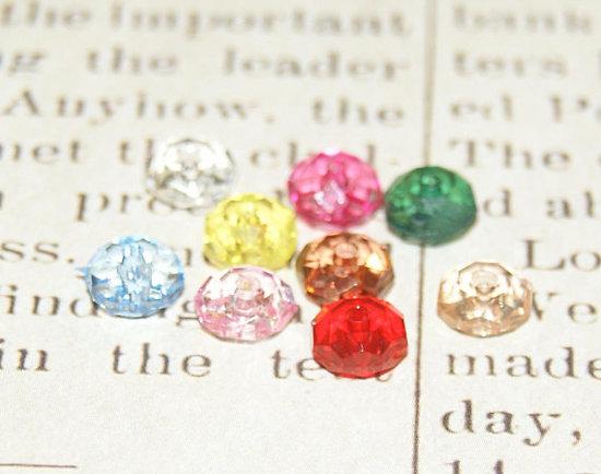 10 perles rondes à facettes en acrylique 8mm