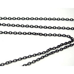 Chaine émaillée noire en métal et petits maillons 2x3mm - au mètre