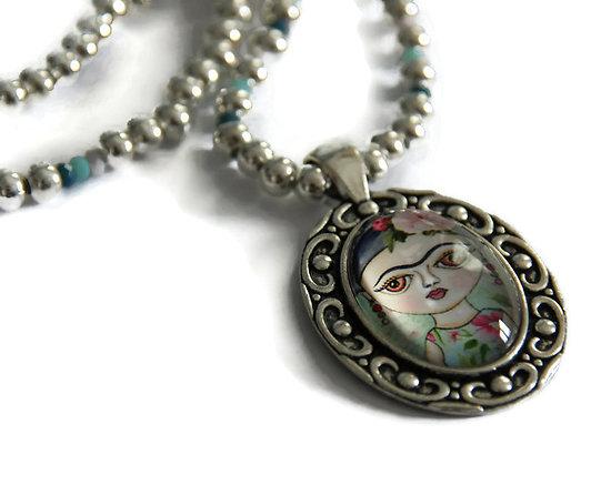 Collier court Portrait de Frida en métal argenté et cristal de Bohème