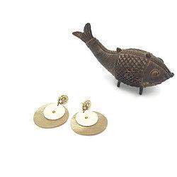 """Boucles d'oreille clous """"Nuit d'or"""", bijou en cuir chic et graphique"""