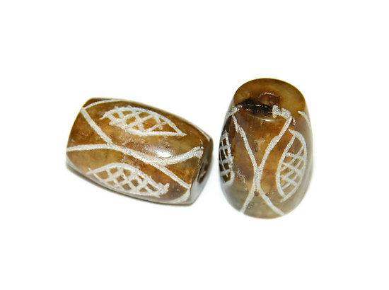 Perle tambour en jade brune ciselée 18x11mm