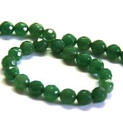 6 perles de jade teintées vertes à facettes 7mm