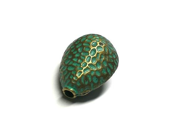 Grosse perle goutte en métal couleur bronze / finition vert--de-gris 29x21x16mm