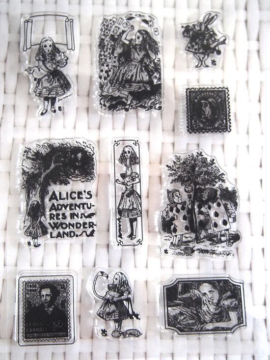 Planche de 10 tampons clear en silicone - thème Alice au Pays des Merveilles