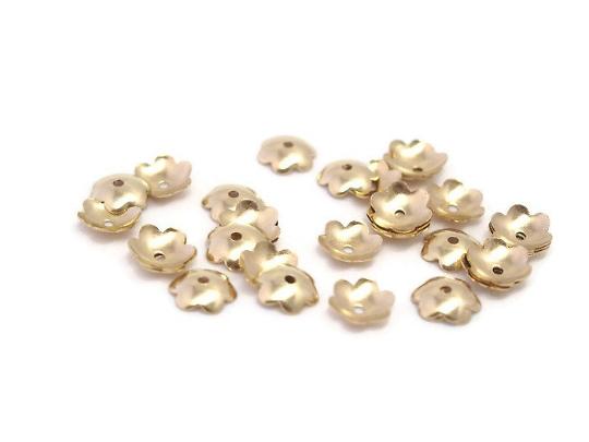 20 coupelles fleurs en métal doré 8mm