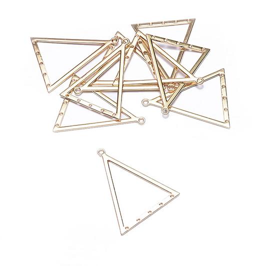 Grand triangle connecteur en métal doré 38x30mm