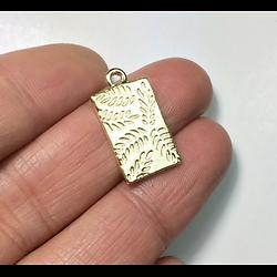 2 breloques rectangulaires empreinte de feuillage en métal doré 10x18mm