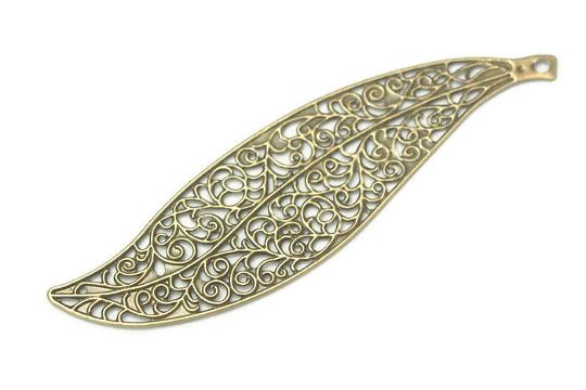 Grande breloque XXL estampe feuille en métal couleur bronze 10,4x2,8cm