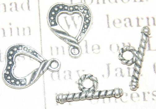 3 fermoirs toggle coeur en métal argenté 13x16mm