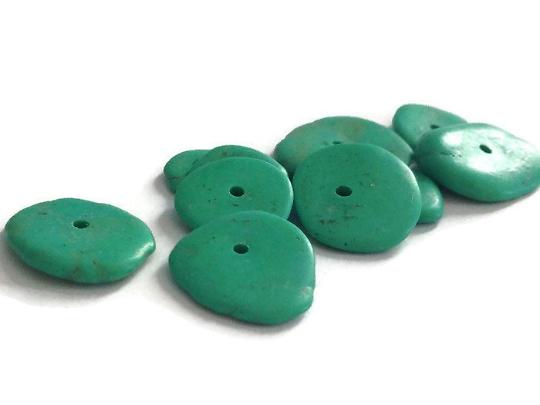 10 rondelles de turquoise verte de +/-12mm à +/-18mm