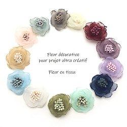 Fleur fine en tissu pour décoration ou customisation