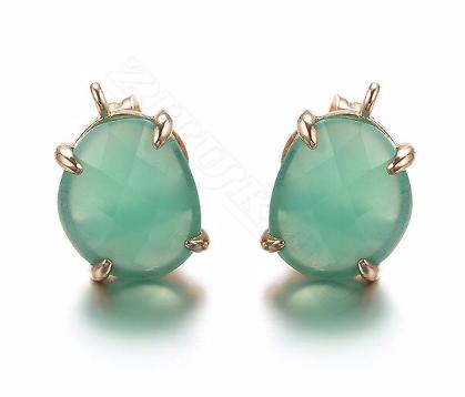 Paire de clous d'oreille en cristal et métal doré - vert clair 10x15mm