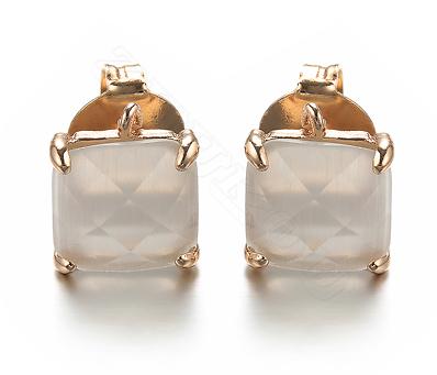 Paire de clous d'oreille en cristal et métal doré - blanc opale 10x11mm