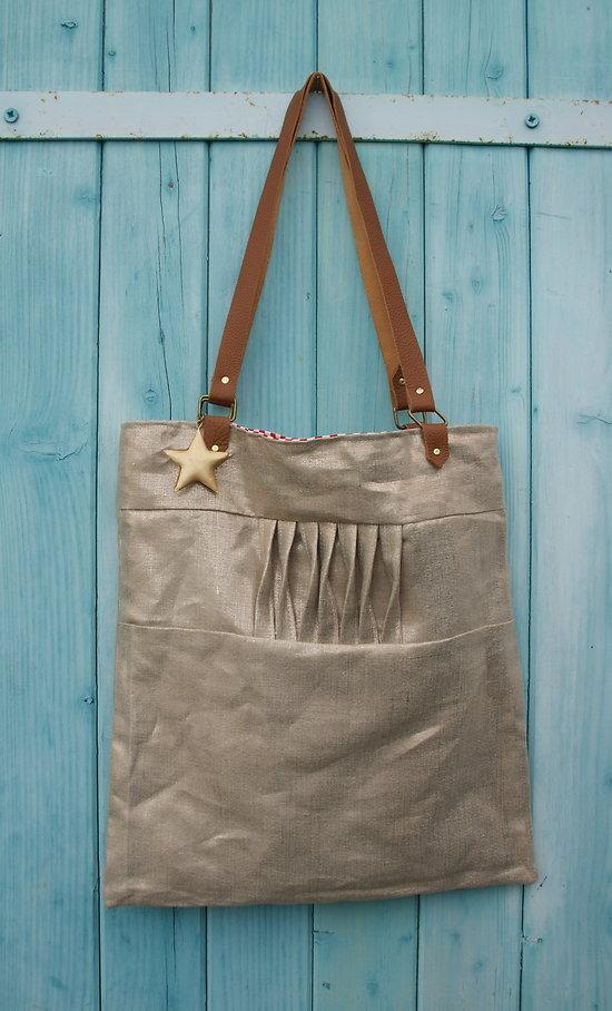 Tote bag en lin doré, intérieur rayures et anses cuir