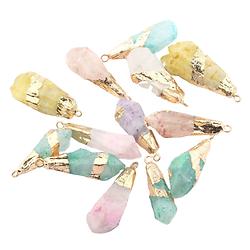 Pendentif cristal brut coloré et serti feuille d'or 40x10mm