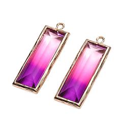 Longue breloque arc-en ciel rose/violet rectangulaire serti métal doré 10x32mm