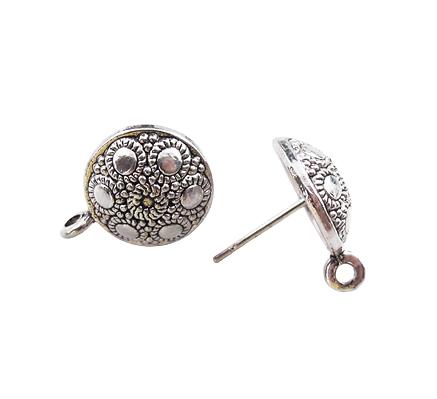 Paire de clous en métal argenté ciselé 12,5mm