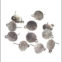 Paire de clous d'oreille à compléter rond  décor antique en métal argenté 14x10mm