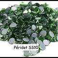 100 strass hotfix à facettes Péridot - 2,7-2,9mm/SS10