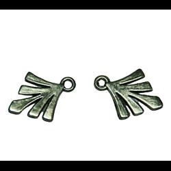 2 breloques éventail / feuille stylisée en métal argenté 18x23mm