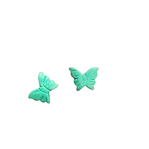 Perle papillon sculpté en turquoise reconstituée verte 15x11mm