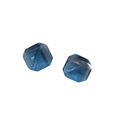 2 grandes perles carrées à facettes en verre bleu 18x18x8mm