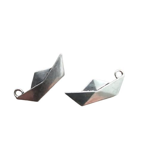 2 breloques bateau en origami en métal argenté 24x9mm