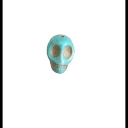 Perle tête de mort / crâne en howlite turquoise 17x14mm