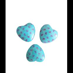 3 perles coeur bombé en howlite turquoise à pois violets 20x20x8mm