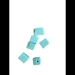 6 perles cube de howlite turquoise 6/8mm