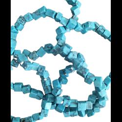 20 cubes chips de howlite turquoise 4/5mm
