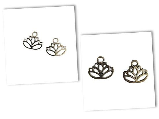 2 breloques fleur de lotus en métal argenté clair / vieilli 16x14mm