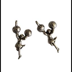 2 breloques pendentifs pom pom girl en métal argenté 29x13mm