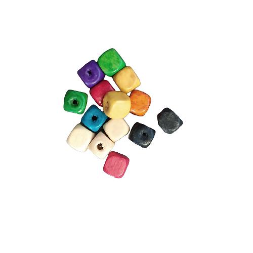 20 perles cube en bois de couleur 7,5mm