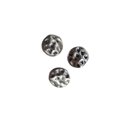 2 perles plates rondes texturées en métal argenté 10mm
