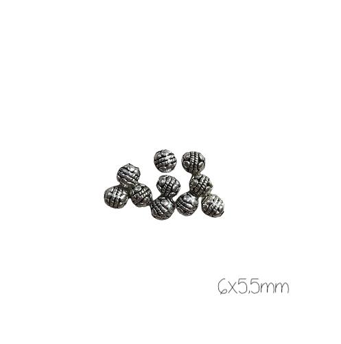 10 perles rondes massives ethniques décorées en métal argenté 6x5,5mm