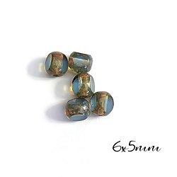 10 perles vintage 3 facettes gris/bleu en verre 6x5mm