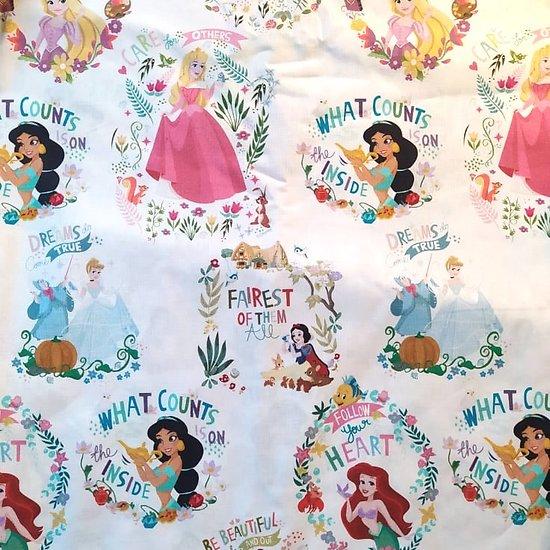 Drap de maternelle / serviette de cantine en coton  - imprimé Princesses Disney