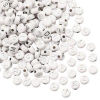 100 perles alphabet rondes en acrylique blanc/argenté 6mm