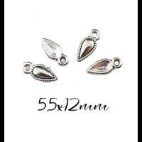 4 petites breloques pointe/goutte en métal argenté 5,5x12mm