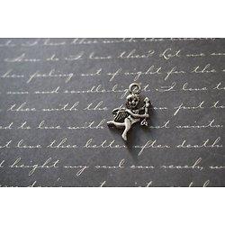 2 angelots Cupidon avec flèche en métal argenté 25x15mm