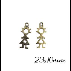 2 breloques silhouette fillette évidée en métal argenté 23x10mm