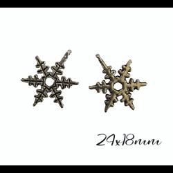 2 pendentifs flocon de neige en métal argenté 23x20mm