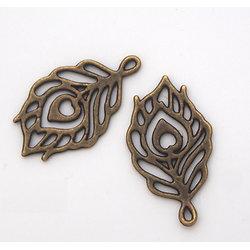 2 breloques plume de paon en métal couleur bronze 22x13mm