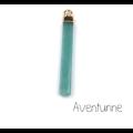 Breloque / pendentif longue tige en pierre de gemme véritable et serti doré 45x6mm