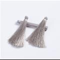 Long pompon de soie et anneau doré 7cm