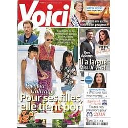 VOICI n°1572 22/12/2017  Laeticia Hallyday/ Miss France/ Mittenaere & Adams/ D.Johnson/ Hayek/ Zep